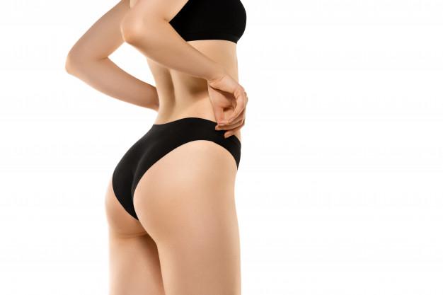fisico di una donna dopo lifting ai glutei