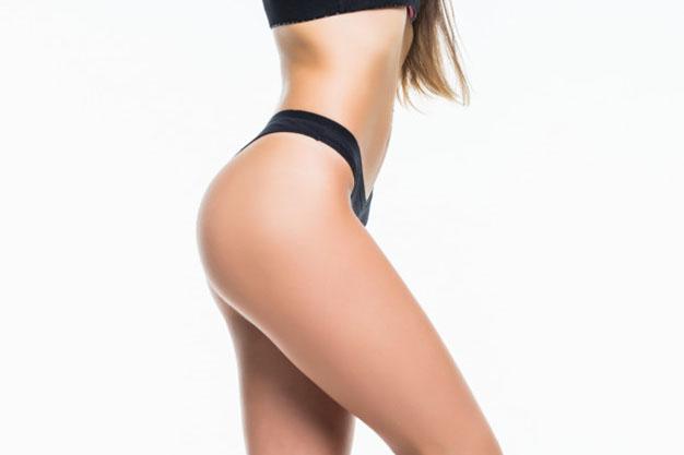 fisico di una donna dopo liposuzione
